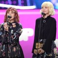Bolbbalgan4 meraih piala Best Vocal Performance di MAMA 2017 Hong Kong.