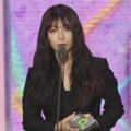 Eun Ji A Pink Raih Piala Best Folk/Blues