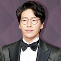 Seriusnya Uhm Ki Joon di Red Carpet SBS Drama Awards 2017