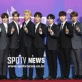 Wanna One di Red Carpet Seoul Music Awards 2018