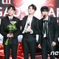 NU'EST W Raih Piala Hot Performance of the Year Award