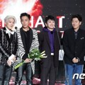 Sechs Kies Raih Piala Artist of the Year Digital Music Bulan September