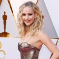 Jennifer Lawrence di Red Carpet Oscar 2018