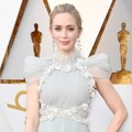 Emily Blunt di Red Carpet Oscar 2018