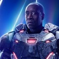 Poster karakter Don Cheadle sebagai War Machine di film 'Avengers: Infinity War'.