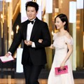 Ji Sung dan Park Bo Young Saat Bacakan Nominasi Best Actor and Actress Award