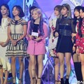 Twice meraih piala Female Group Award dan Best Selling Artist of the Year.
