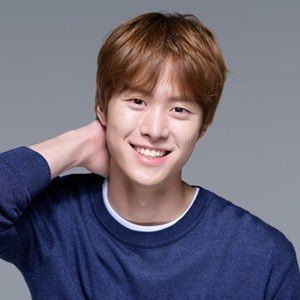 Gong Myung Profile Photo